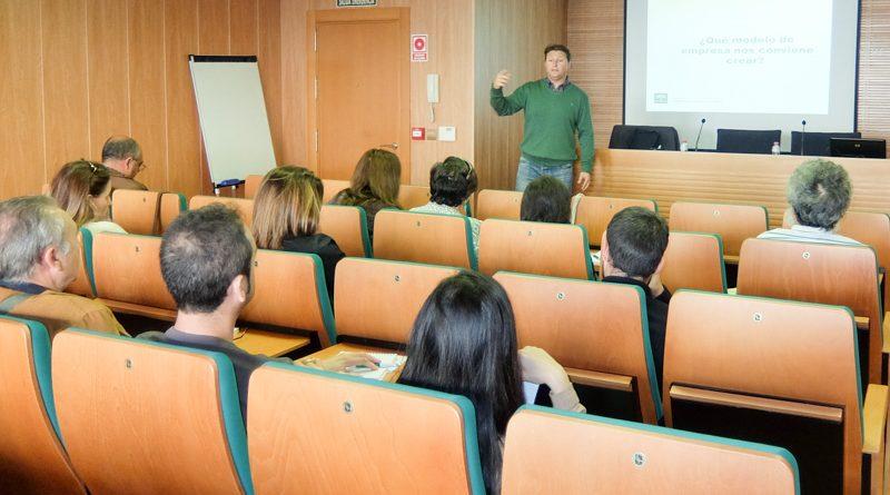 El Colegio de Ingenieros Agrícolas ofrece una jornada sobre desarrollo empresarial a sus colegiados