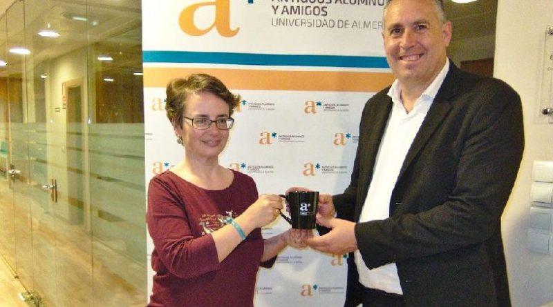 El colegio colabora con el programa de antiguos alumnos y amigos de la Universidad de Almería